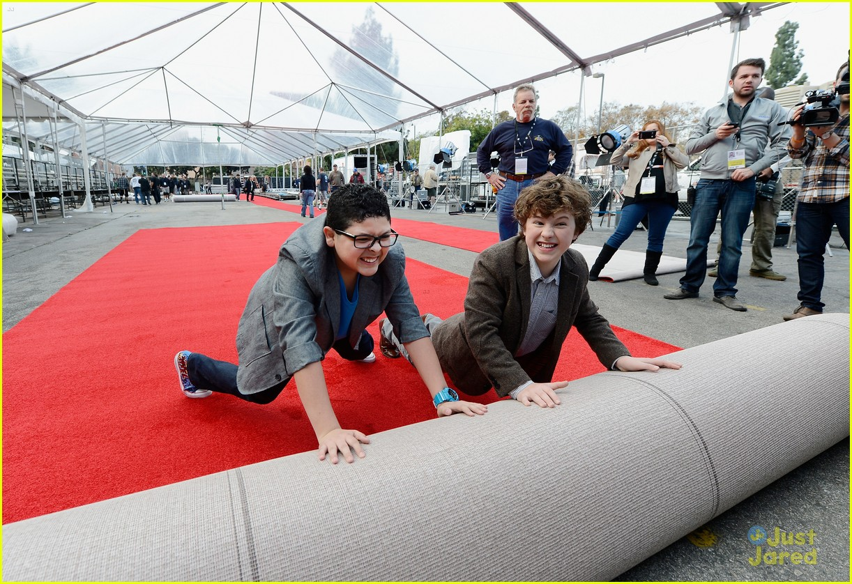 rico rodriguez nolan gould red carpet roll out sag 01