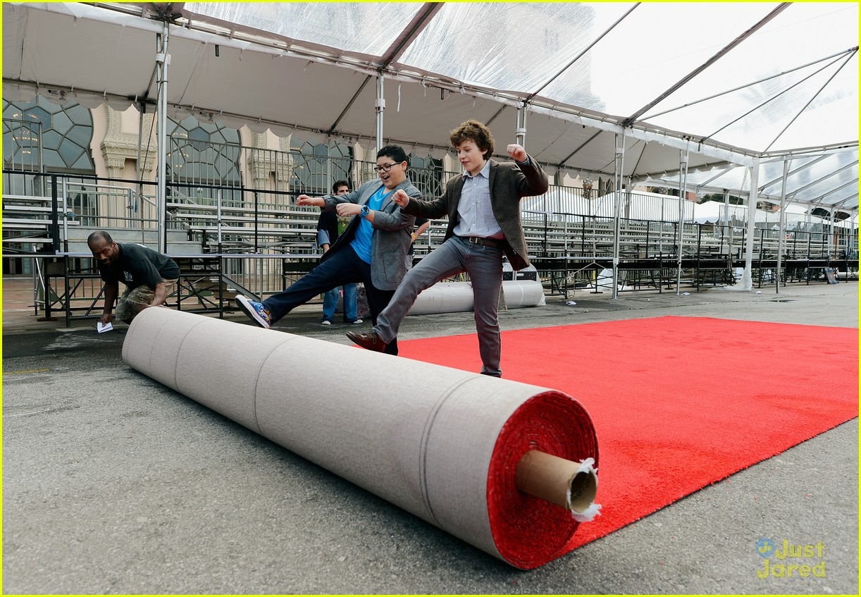 rico rodriguez nolan gould red carpet roll out sag 04