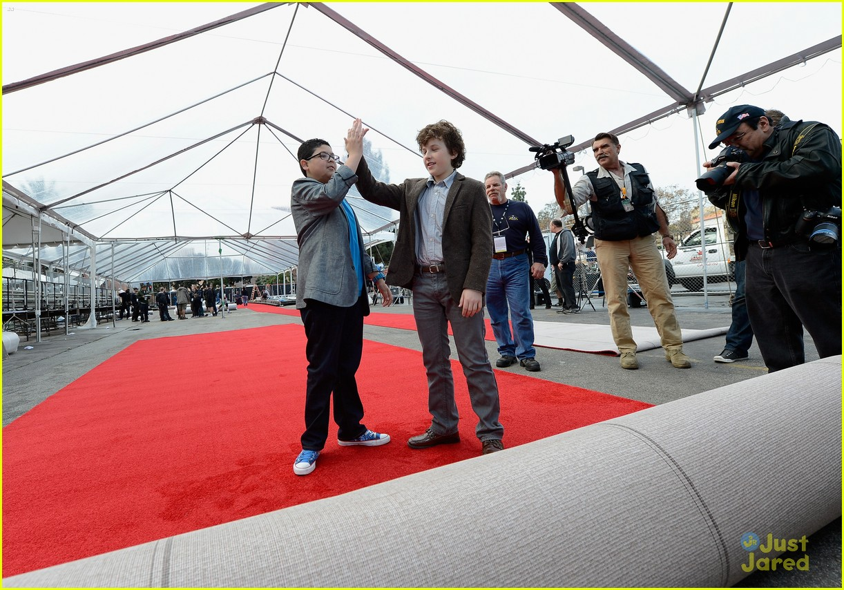 rico rodriguez nolan gould red carpet roll out sag 05