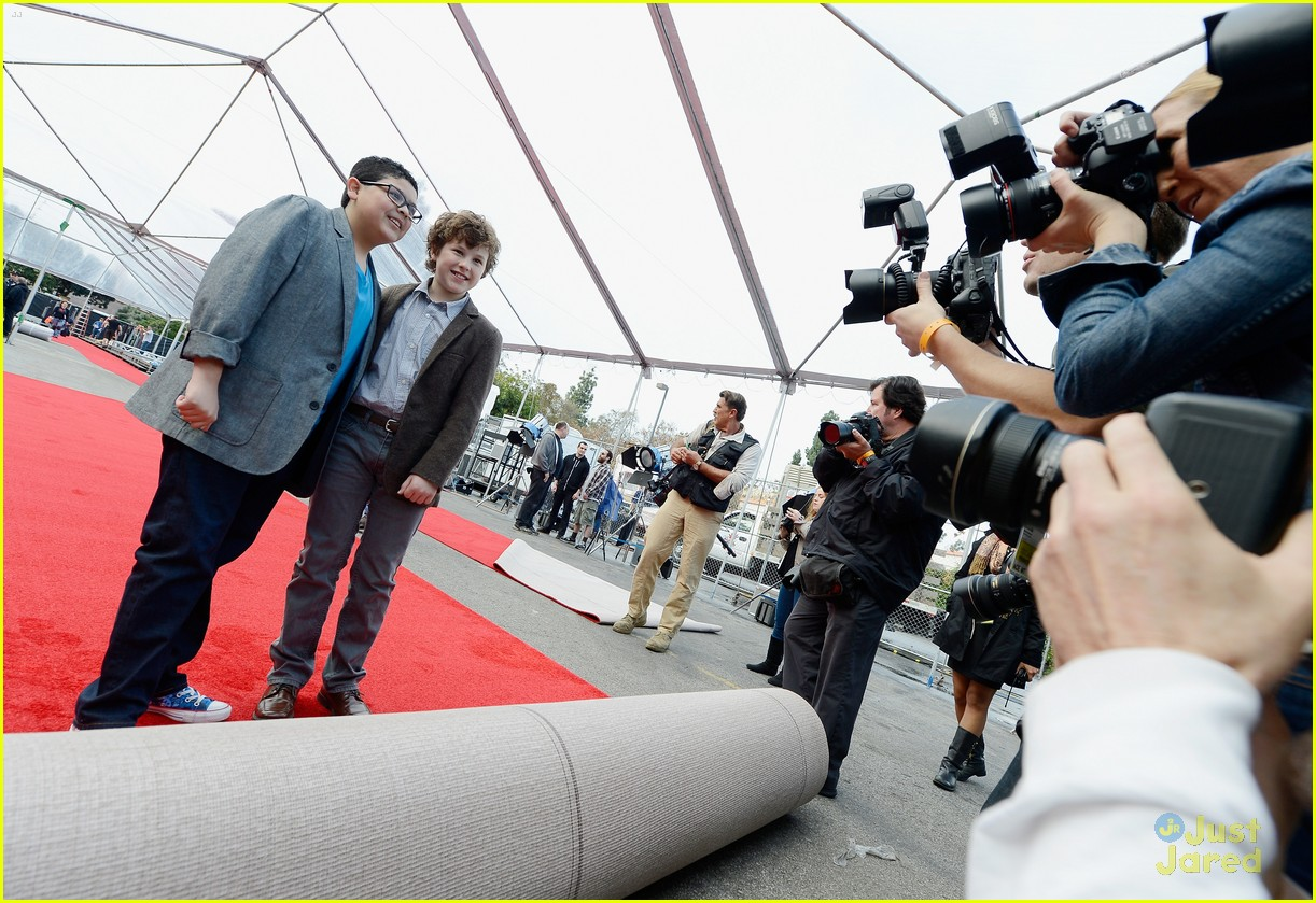 rico rodriguez nolan gould red carpet roll out sag 06