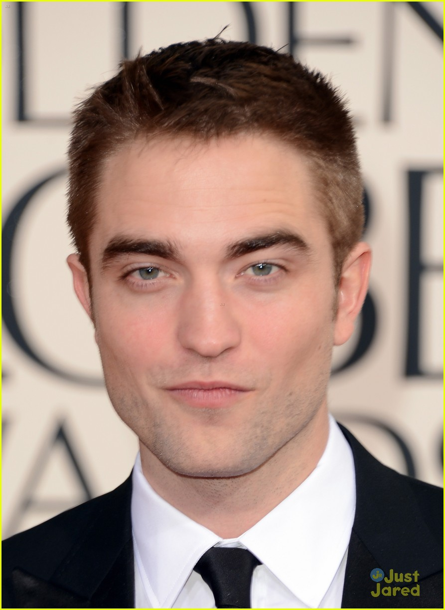 robert pattinson golden globes 05