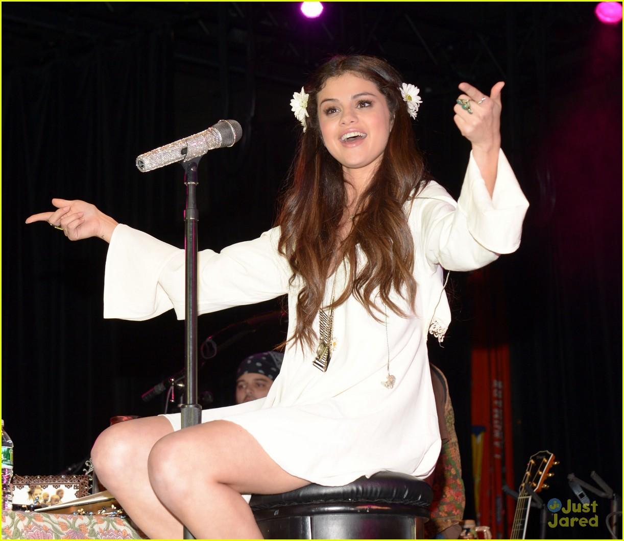 selena gomez unicef concert pics 08