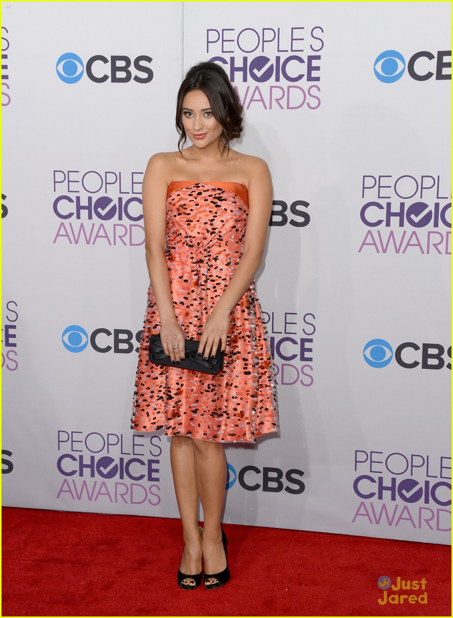shay mitchell pcas 2013 05