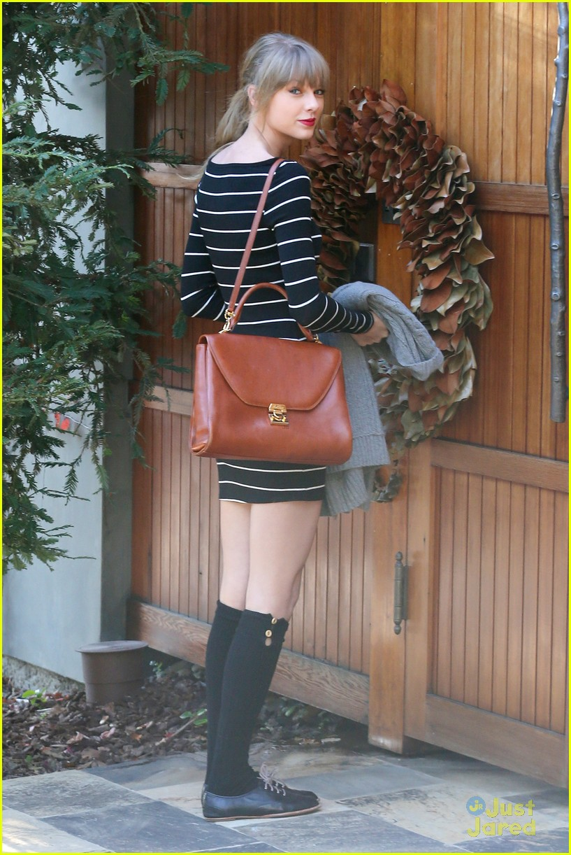 taylor swift stripes sweater 14