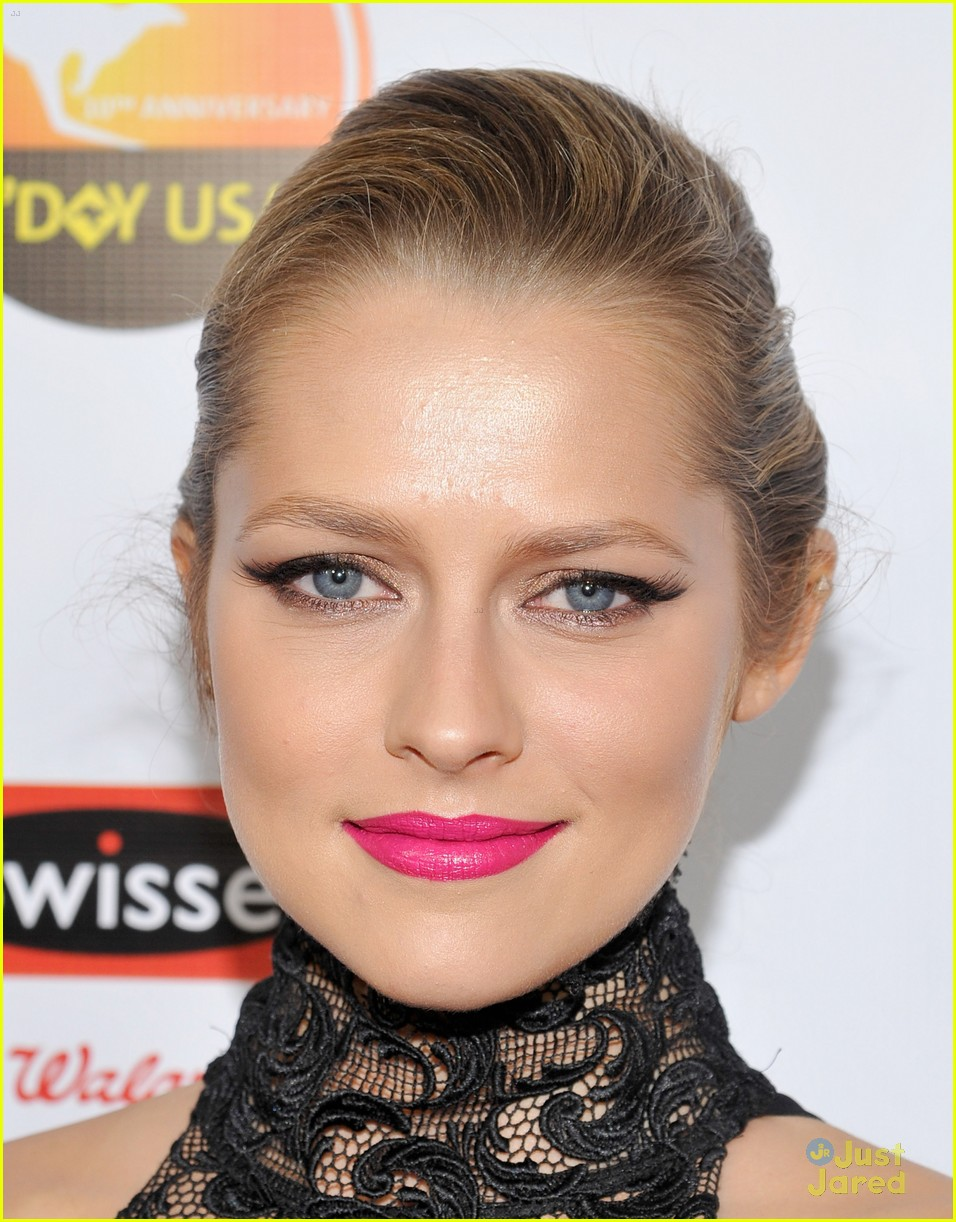 teresa palmer gday instyle party 06