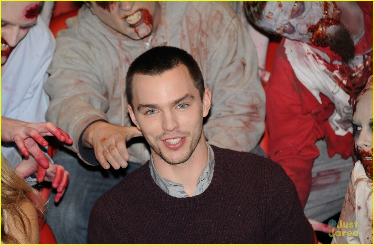 teresa palmer nick hoult london warm bodies 12