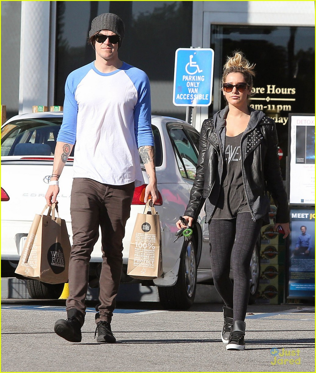 ashley tisdale chris french whole foods 10