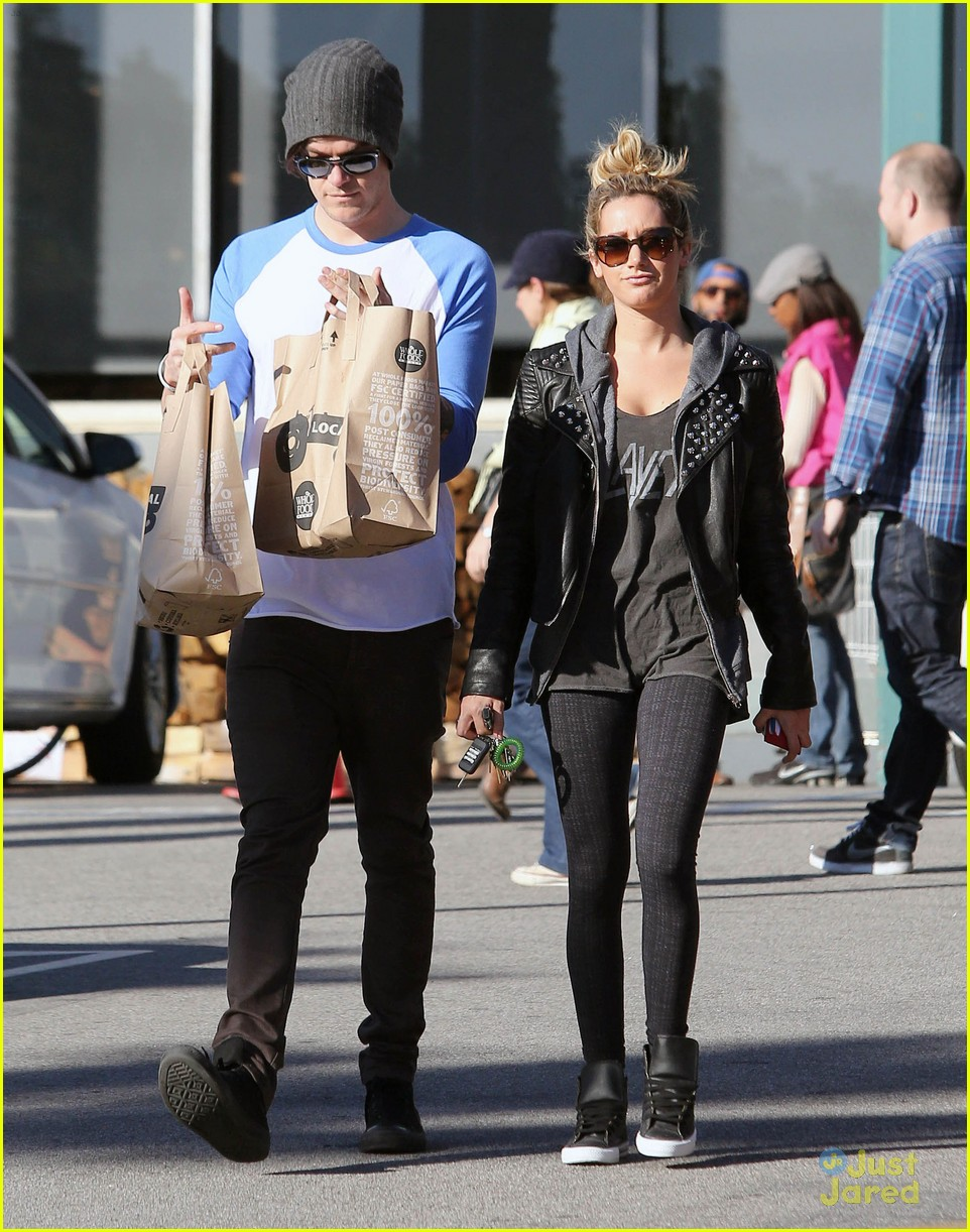 ashley tisdale chris french whole foods 11