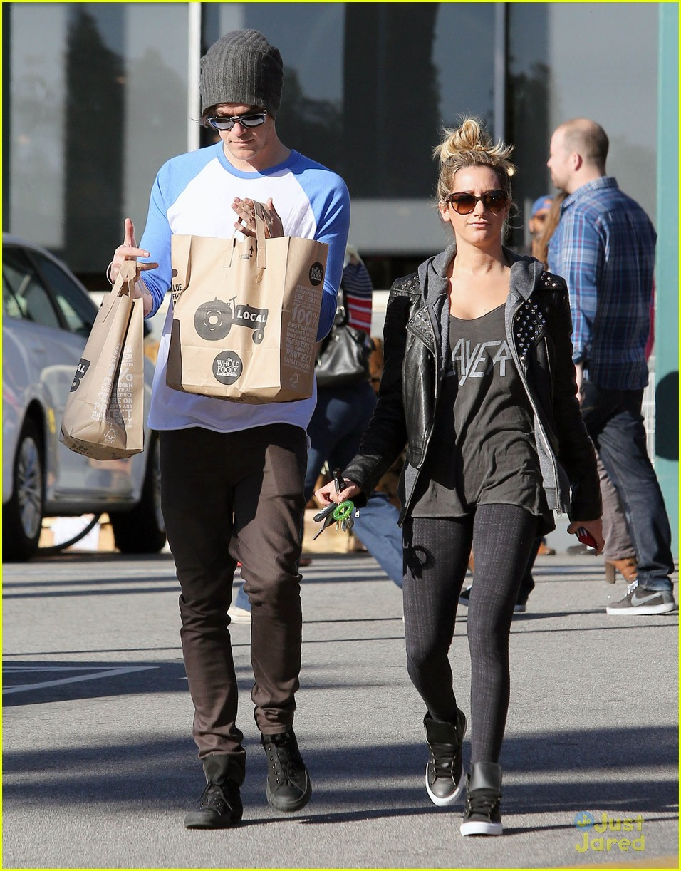 ashley tisdale chris french whole foods 12