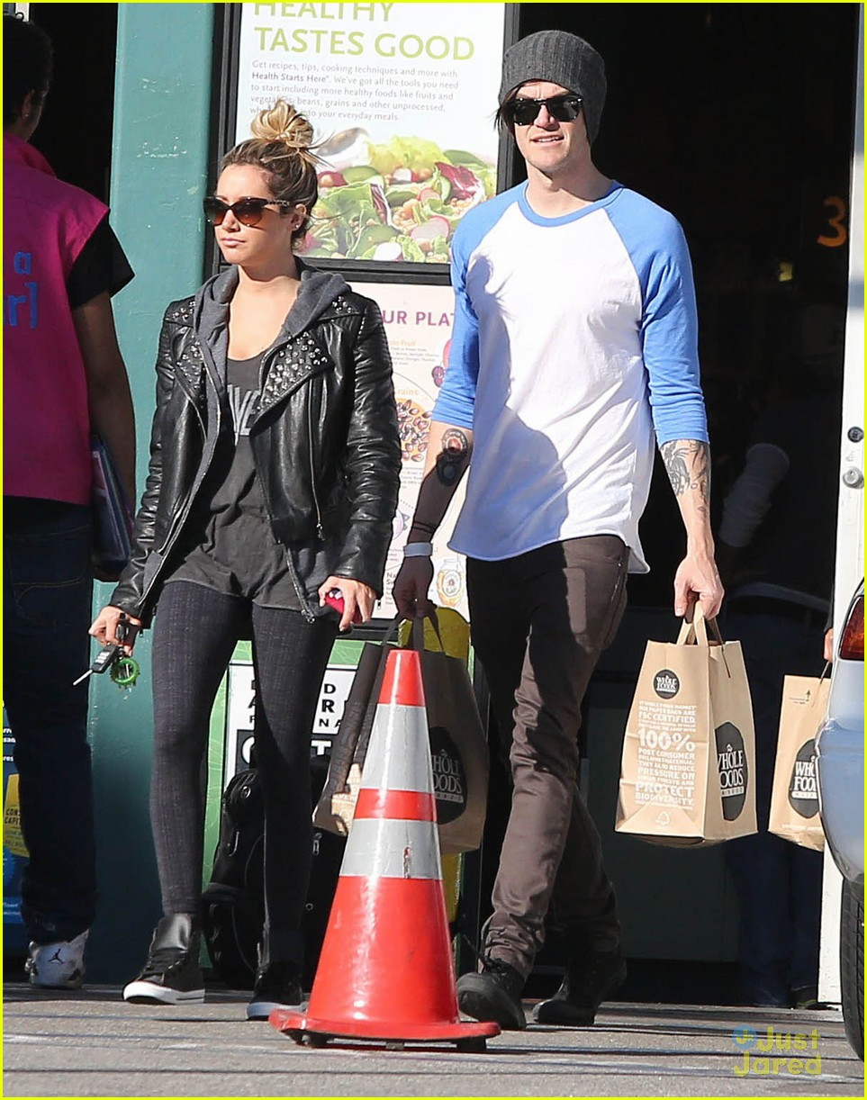 ashley tisdale chris french whole foods 13