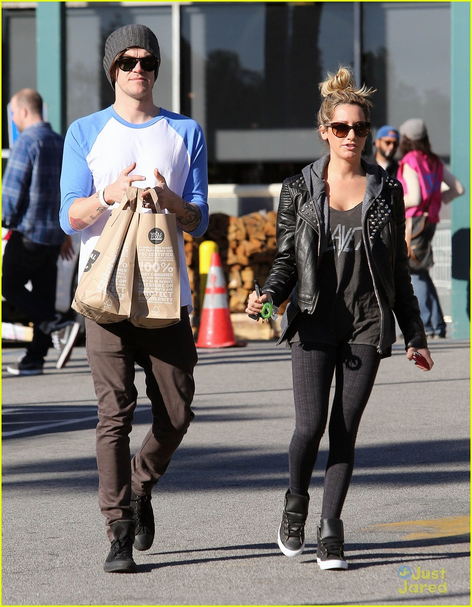ashley tisdale chris french whole foods 15