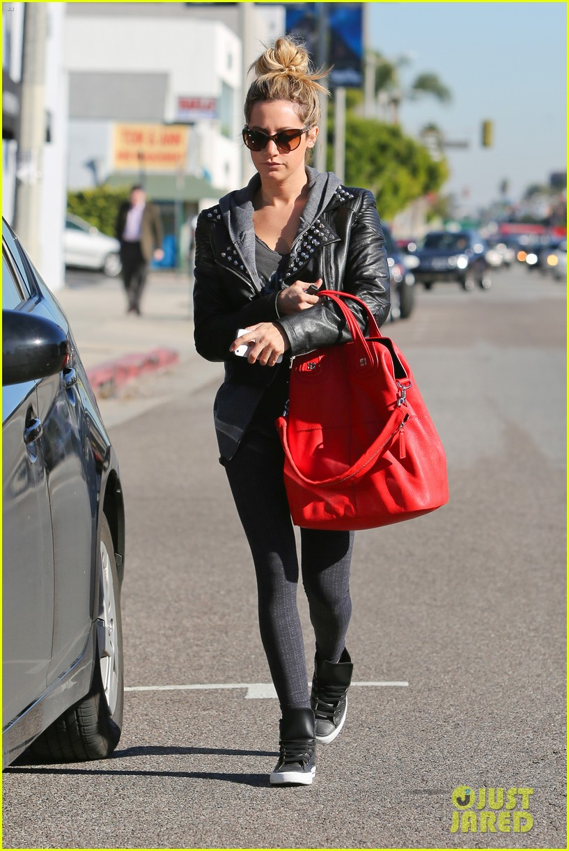 ashley tisdale gets left behind 09