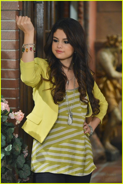 selena gomez wizards return stills 10