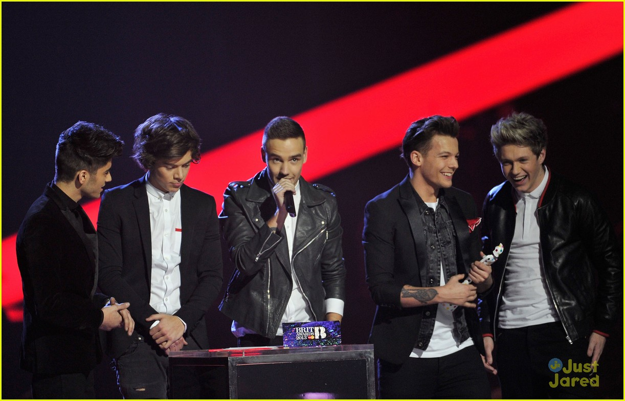 one direction brit awards performance 02
