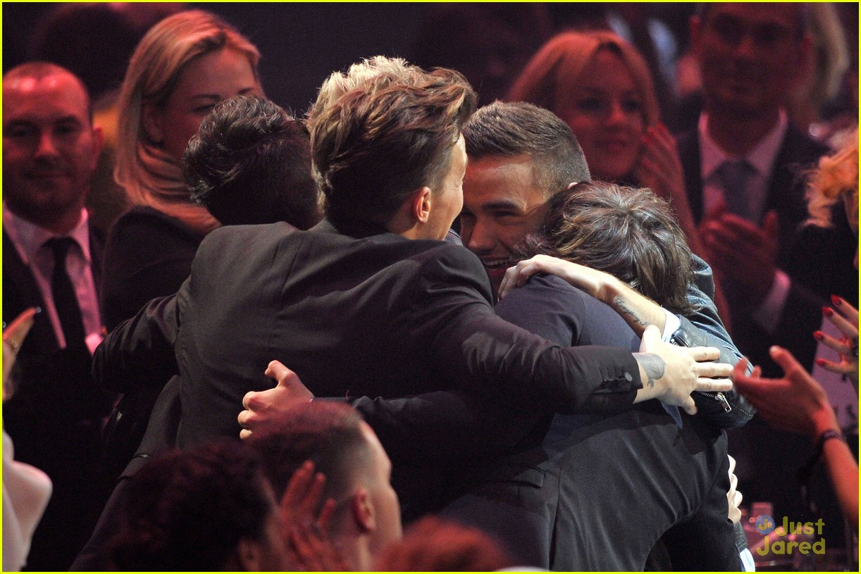 one direction brit awards performance 10