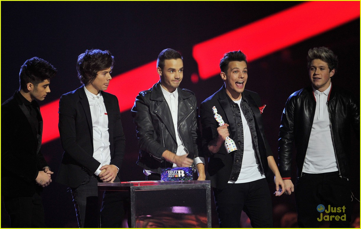one direction brit awards performance 17