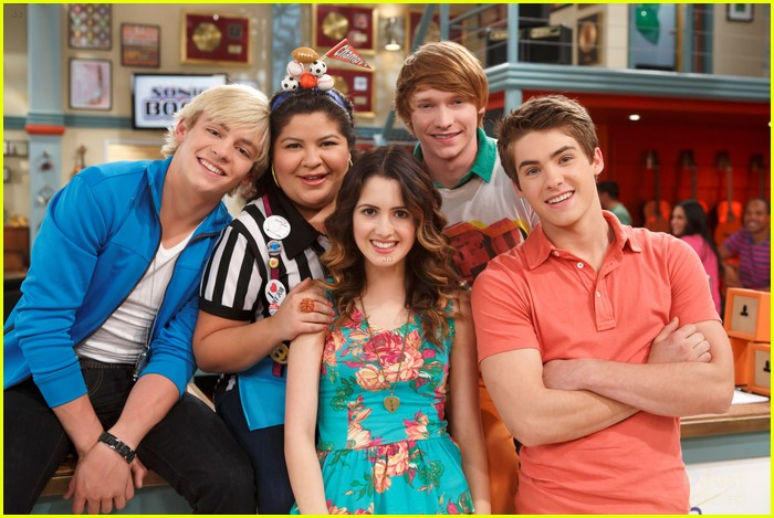 Ross Lynch Laura Marano Things Get Complicated On Austin Ally Photo 537928 Austin Ally Calum Worthy Exclusive Laura Marano Raini Rodriguez Ross Lynch Pictures Just Jared Jr