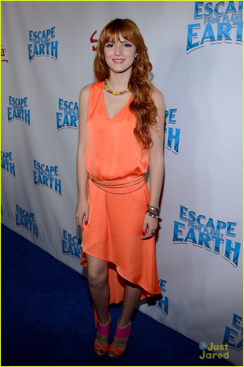 bella thorne escape earth premiere 03