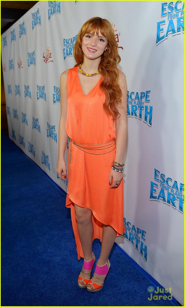 bella thorne escape earth premiere 14