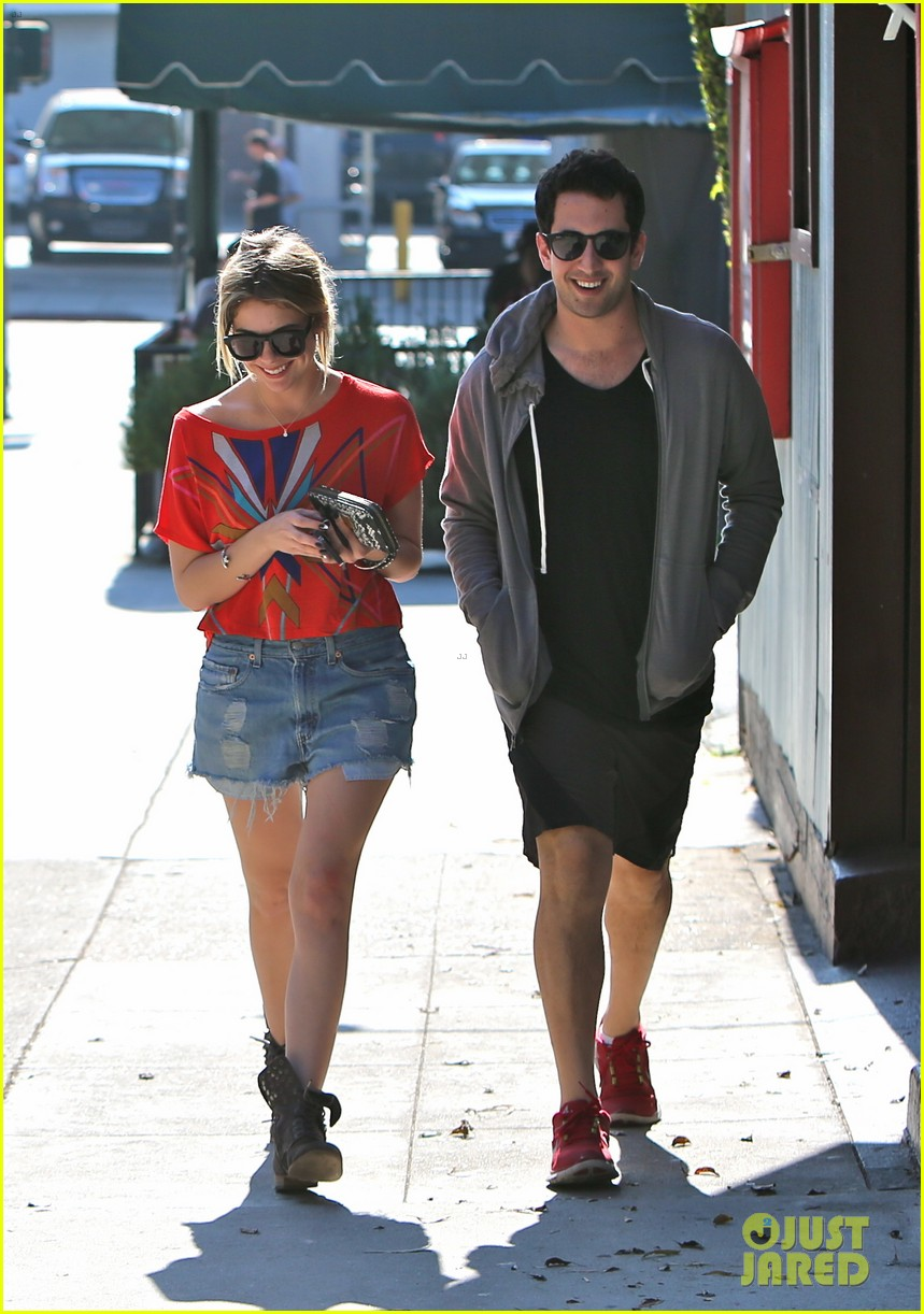 ashley benson hugos breakfast stop 11