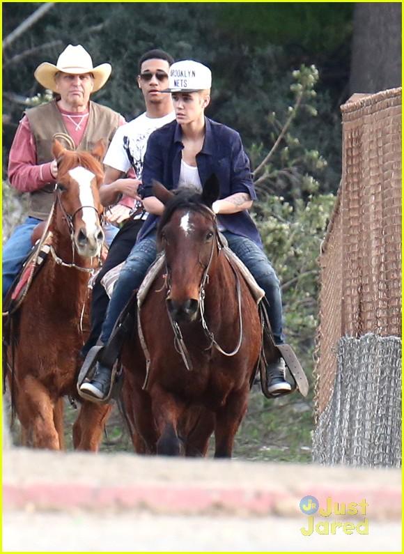 justin bieber horseback ride 06