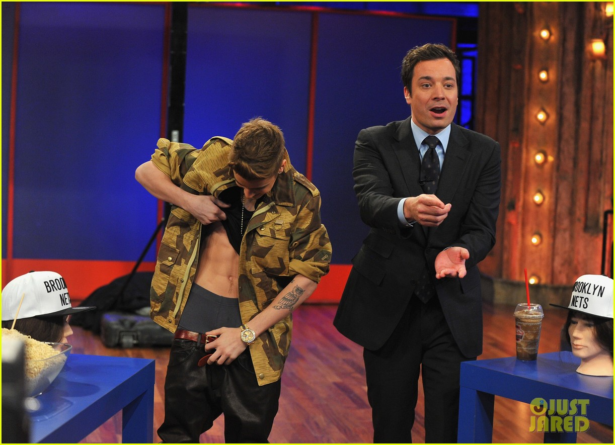 justin bieber late night appearance abs 05