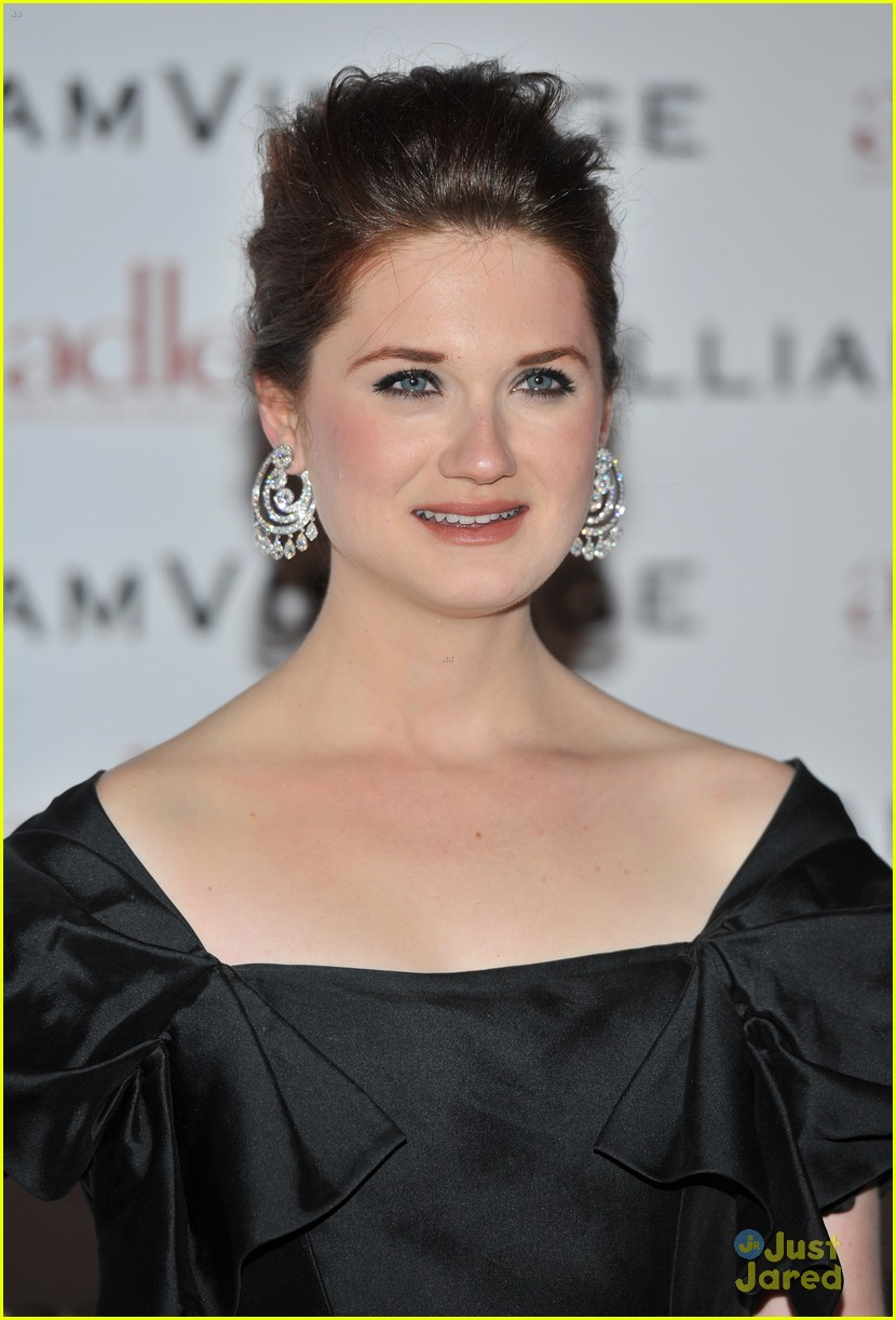 bonnie wright william vintage dinner 06