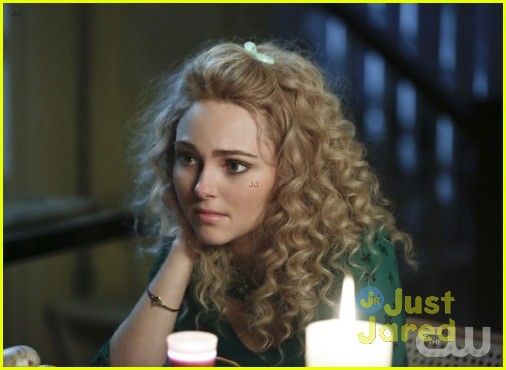 jj sits down with the carrie diaries cast 07