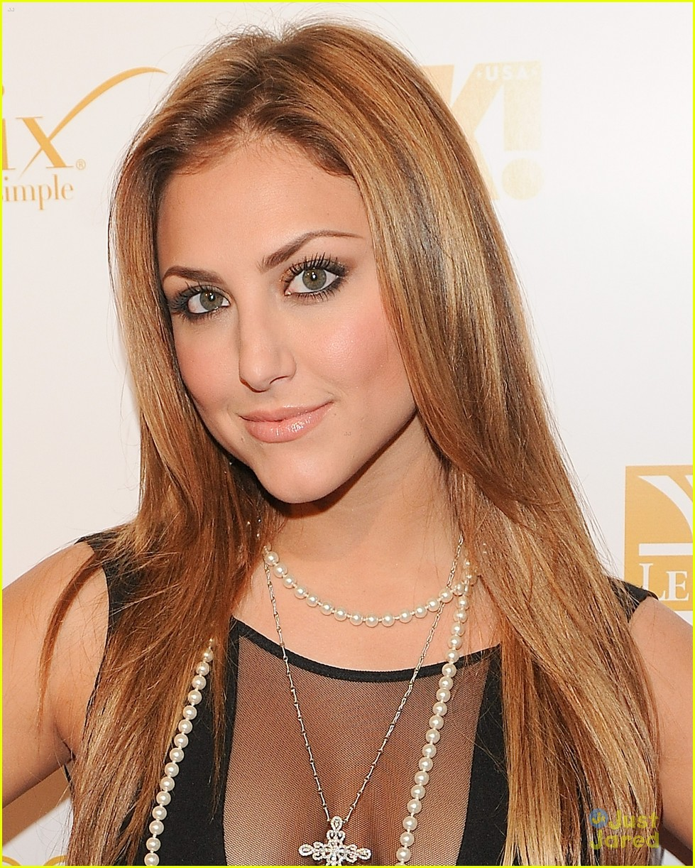 cassie scerbo ok grammy party 04