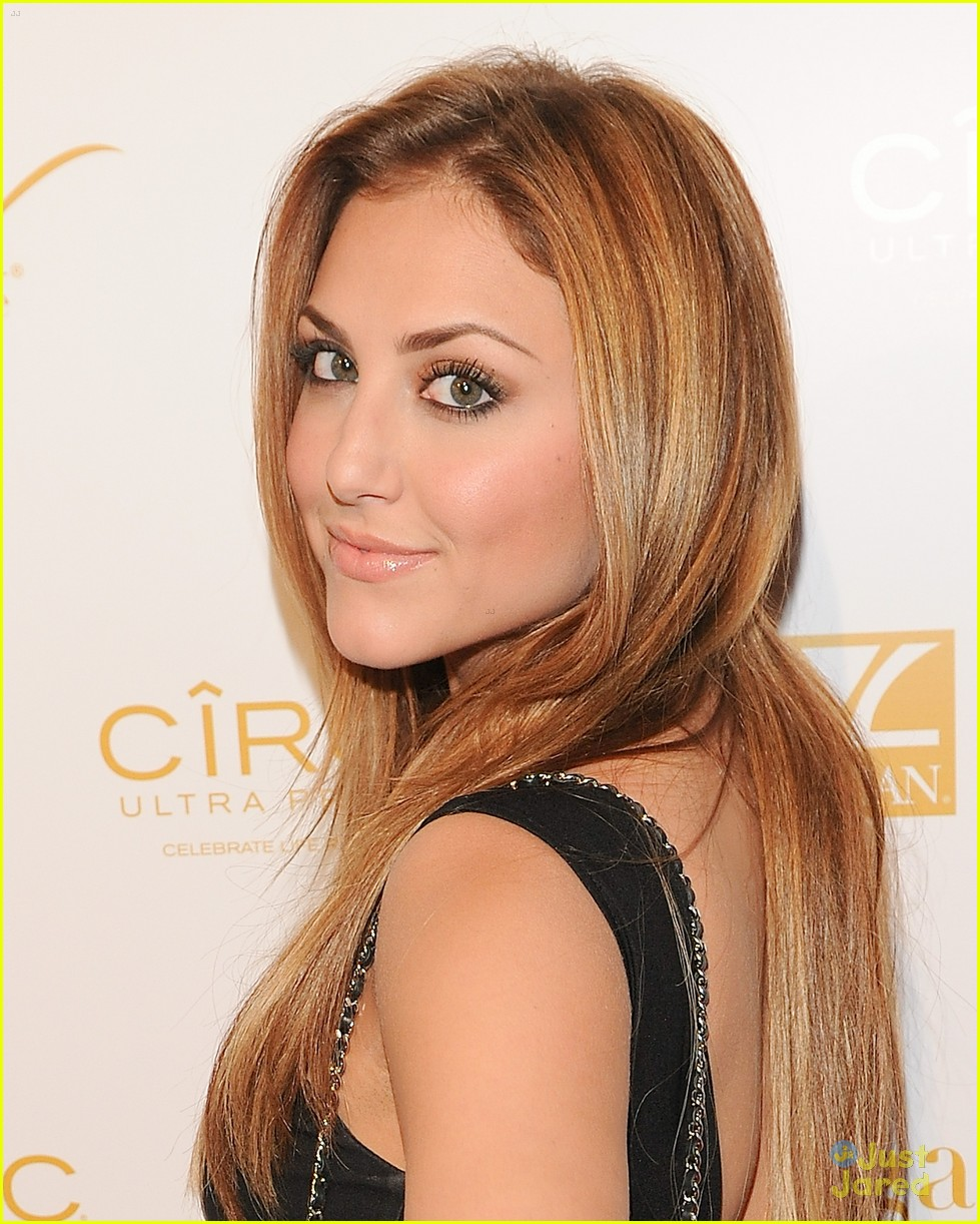 cassie scerbo ok grammy party 05