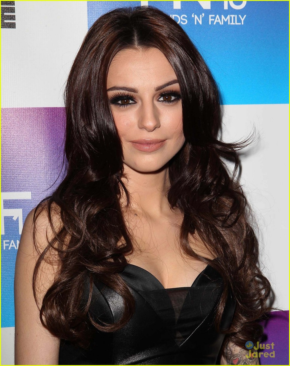 cher lloyd friends family pregrammy event 02