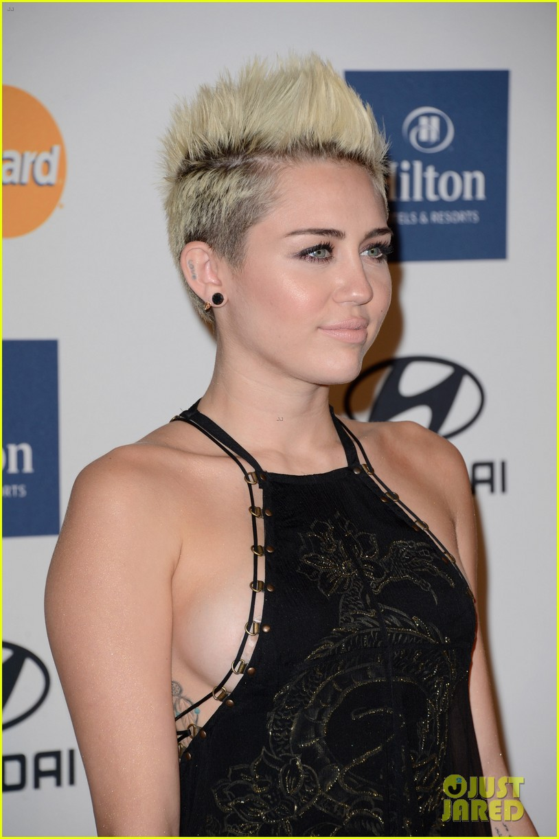 miley cyrus pre grammy party 02