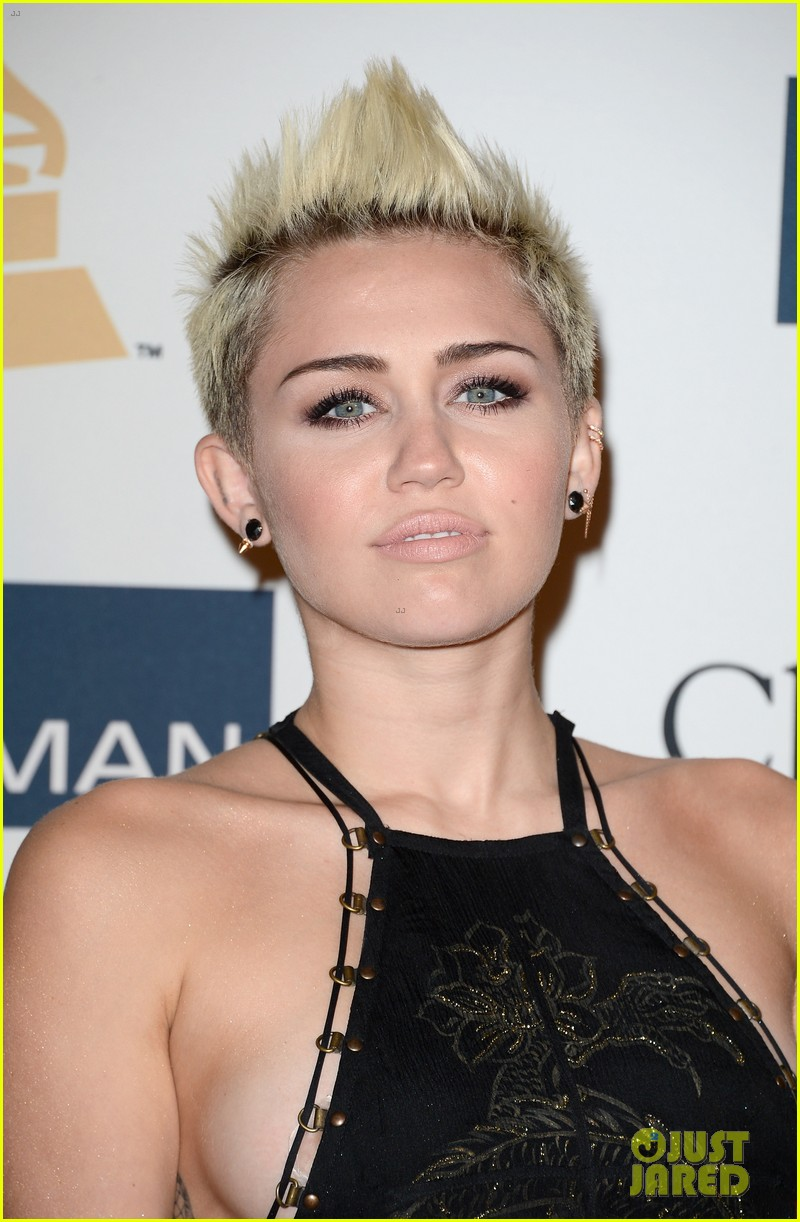 miley cyrus pre grammy party 10