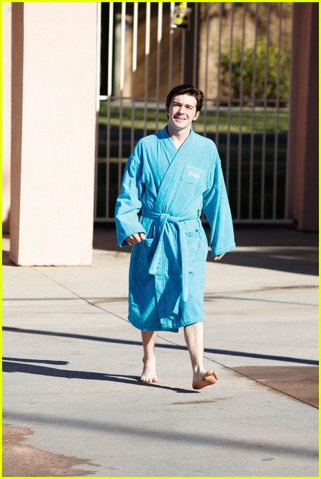 drake bell splash stills 06