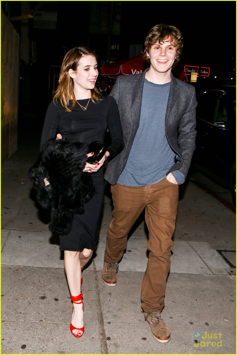 emma roberts evan peters vday dinner 08