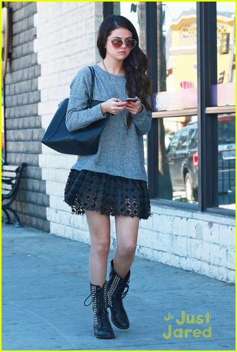 selena gomez lunch with lily collins 07