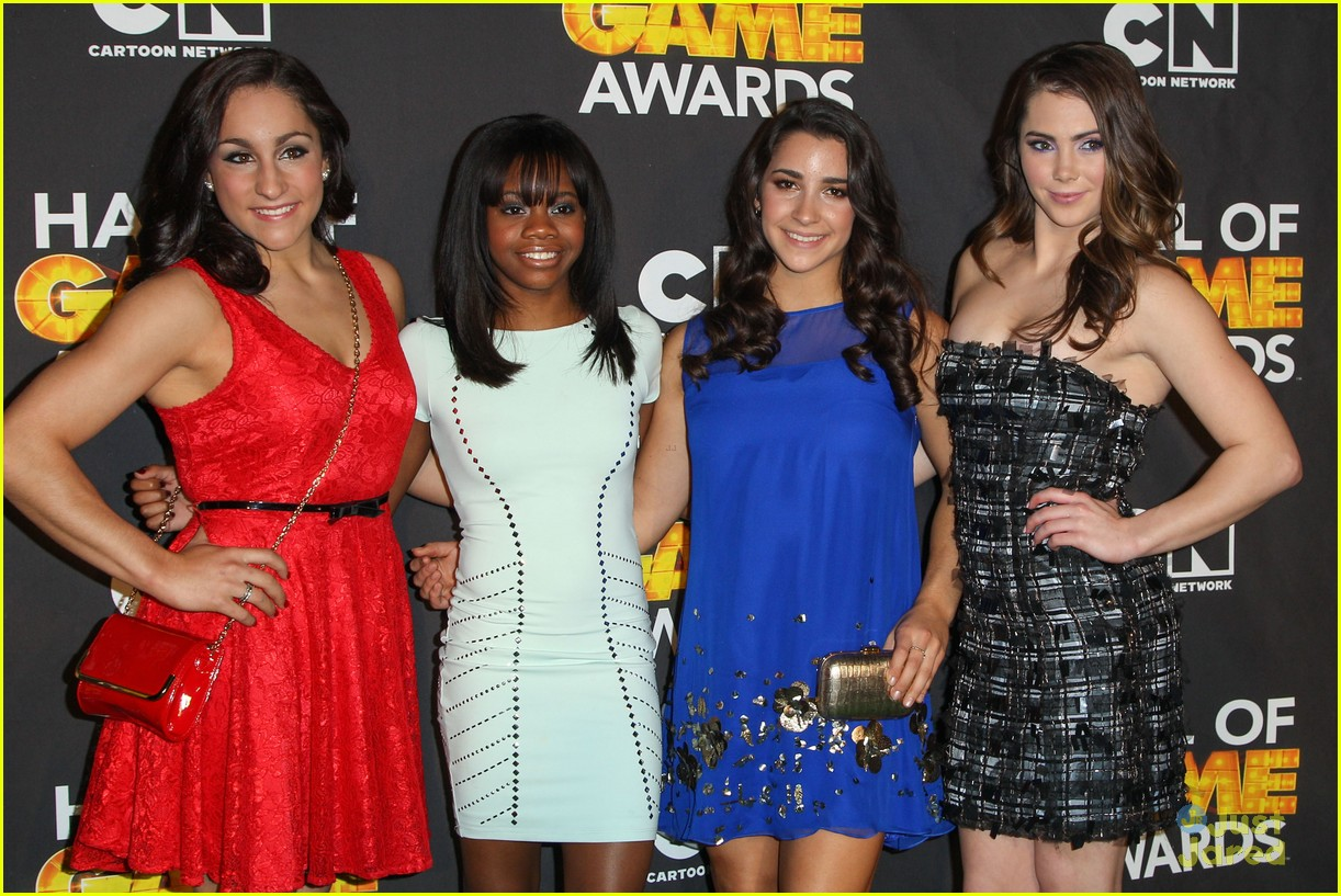 gabby douglas mckayla maroney aly raisman hall game awards 12