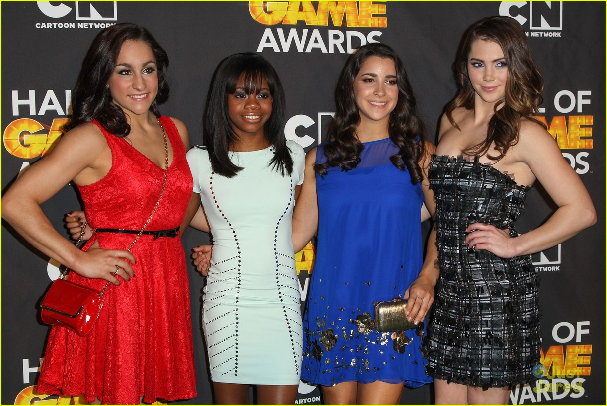 gabby douglas mckayla maroney aly raisman hall game awards 17