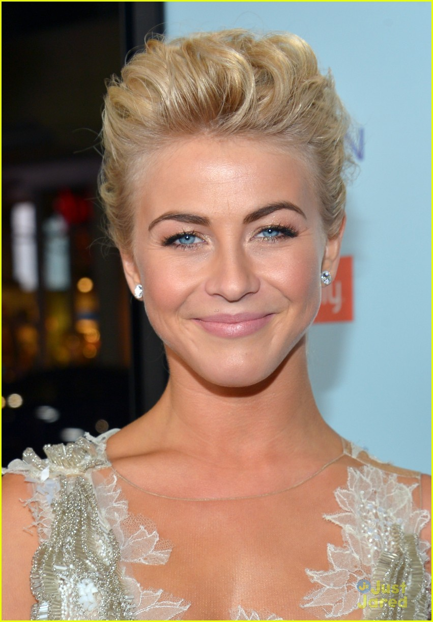 julianne hough haven premiere 04