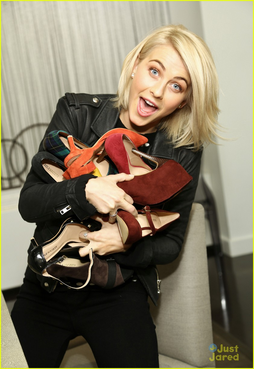 julianne hough midtown sole society mtg 06