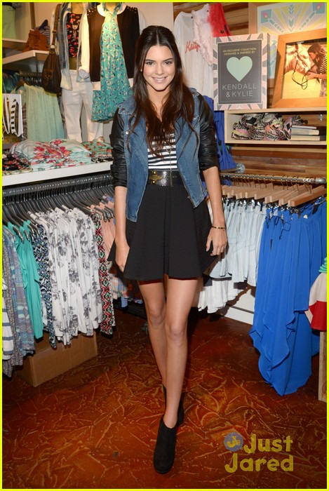 kendall kylie jenner pacsun line debut 02