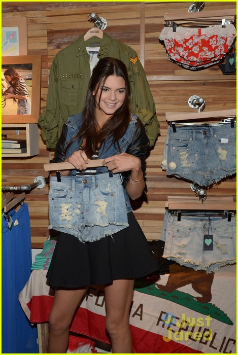 kendall kylie jenner pacsun line debut 14
