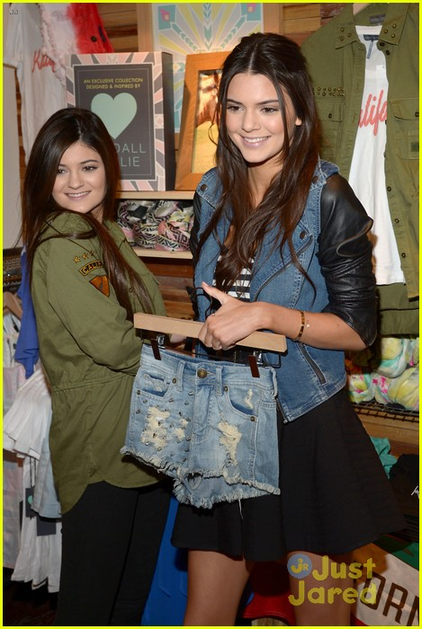 kendall kylie jenner pacsun line debut 30