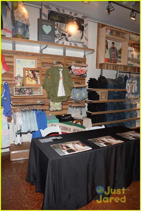 kendall kylie jenner pacsun line debut 33
