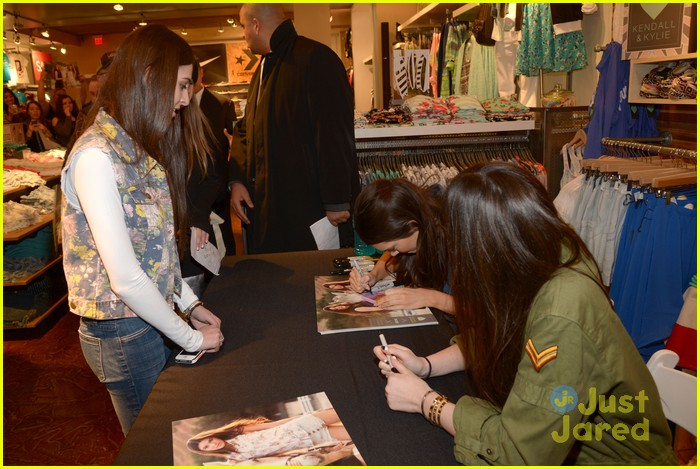 kendall kylie jenner pacsun line debut 37