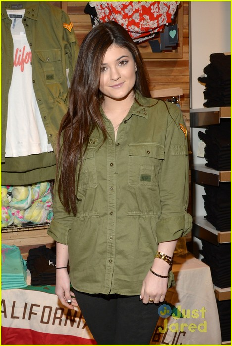 kendall kylie jenner pacsun line debut 48
