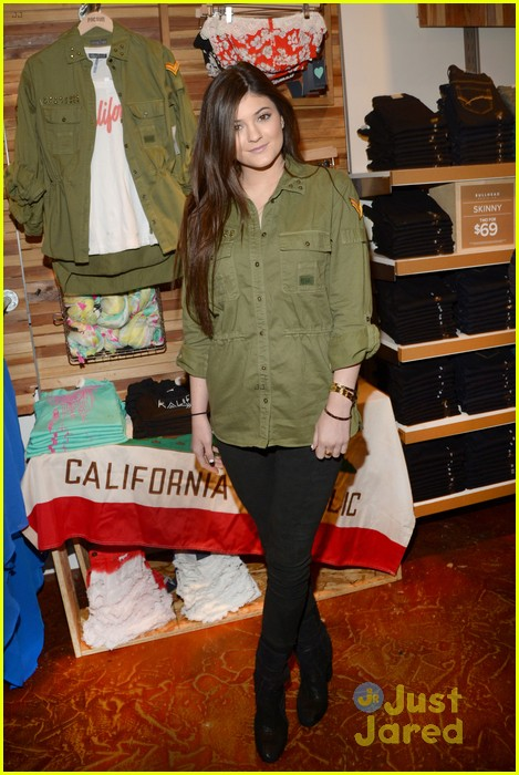 kendall kylie jenner pacsun line debut 49