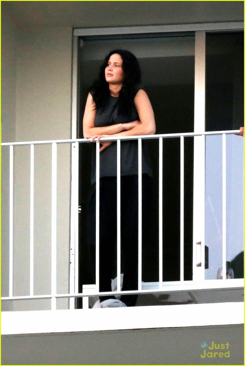 jennifer lawrence balcony view 01