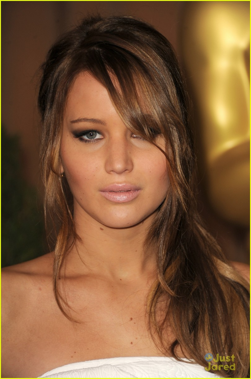 jennifer lawrence oscar luncheon 03