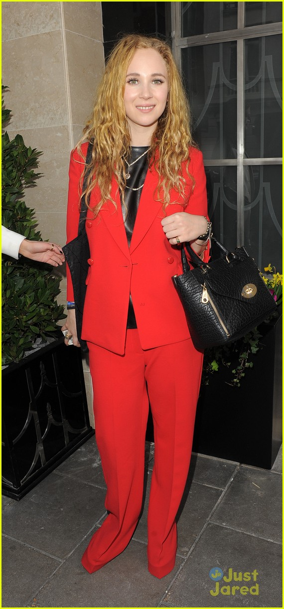 juno temple mulberry show gno role 04